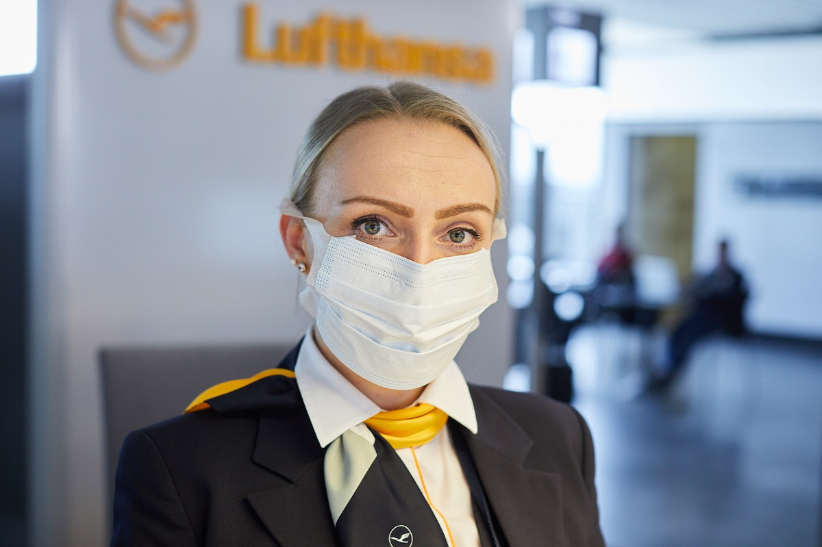 Lufthansa-maski na pokładzie